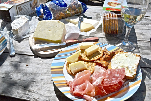 Winery_cheese_plate_picnic